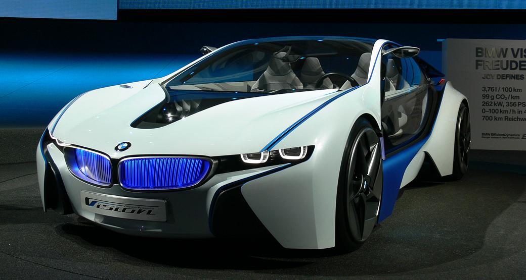 Next-100-Years-BMW-Sculpture-i8