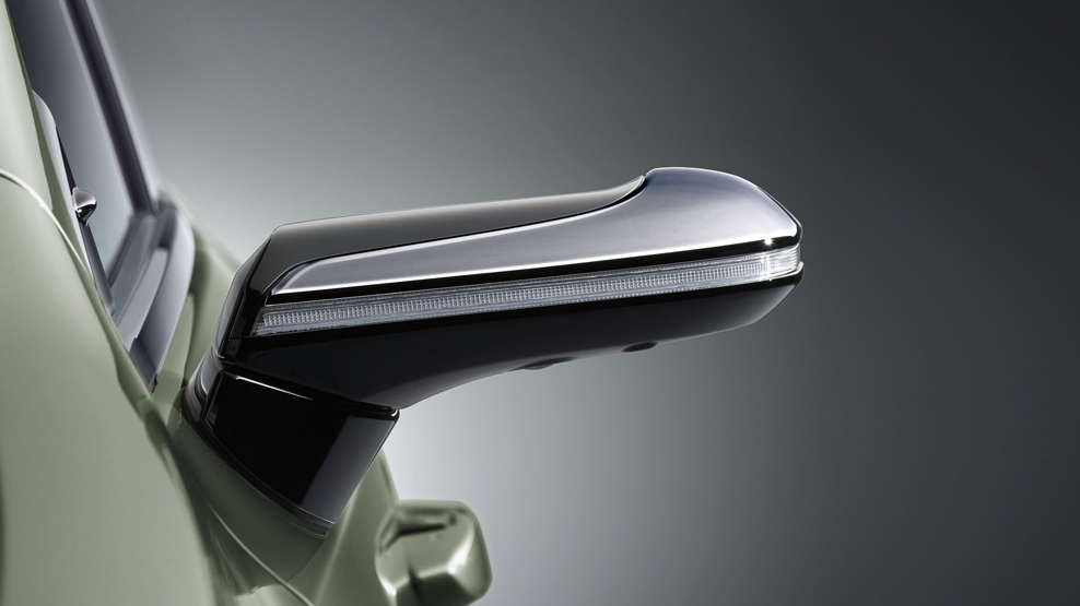 Lexus ES, digital wing mirrors, close up, dailycarblog.com