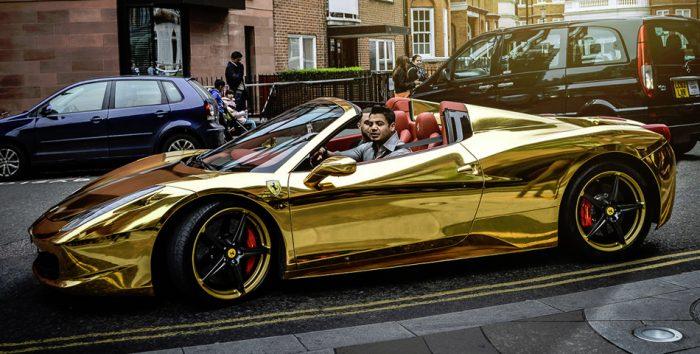 Goldener Ferrari